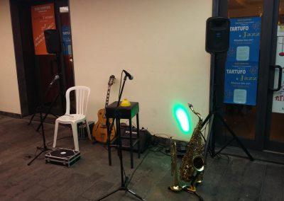 Puccio's Duo: chitarra e sax musica jazz e tartufo al Bar Centro (Piano di Conca - Massarosa) 29 Novembre 2019