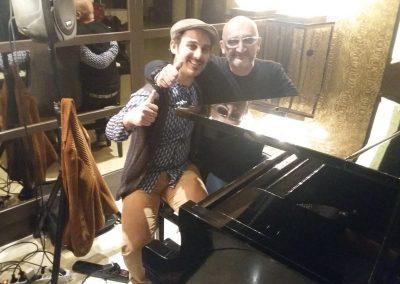 Puccio & Max Longhi: chitarra e voce cena con musica dal vivo all'Hotel Allegroitalia Tower Plaza (Pisa) 11 Maggio 2019
