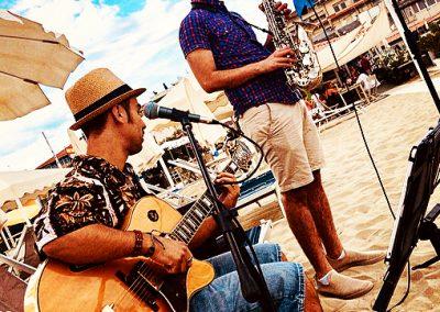 Puccio's Duo: aperitivo con musica dal vivo al Bagno La Pace (Viareggio) 01 Luglio 2018